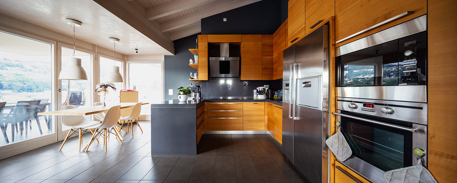 Beautiful kitchen in Rock Forest. Appliances have been maintained by Electro Sherbrooke.
